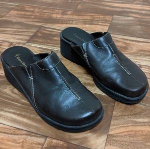 Bare traps women shoe us 8.5 baretraps